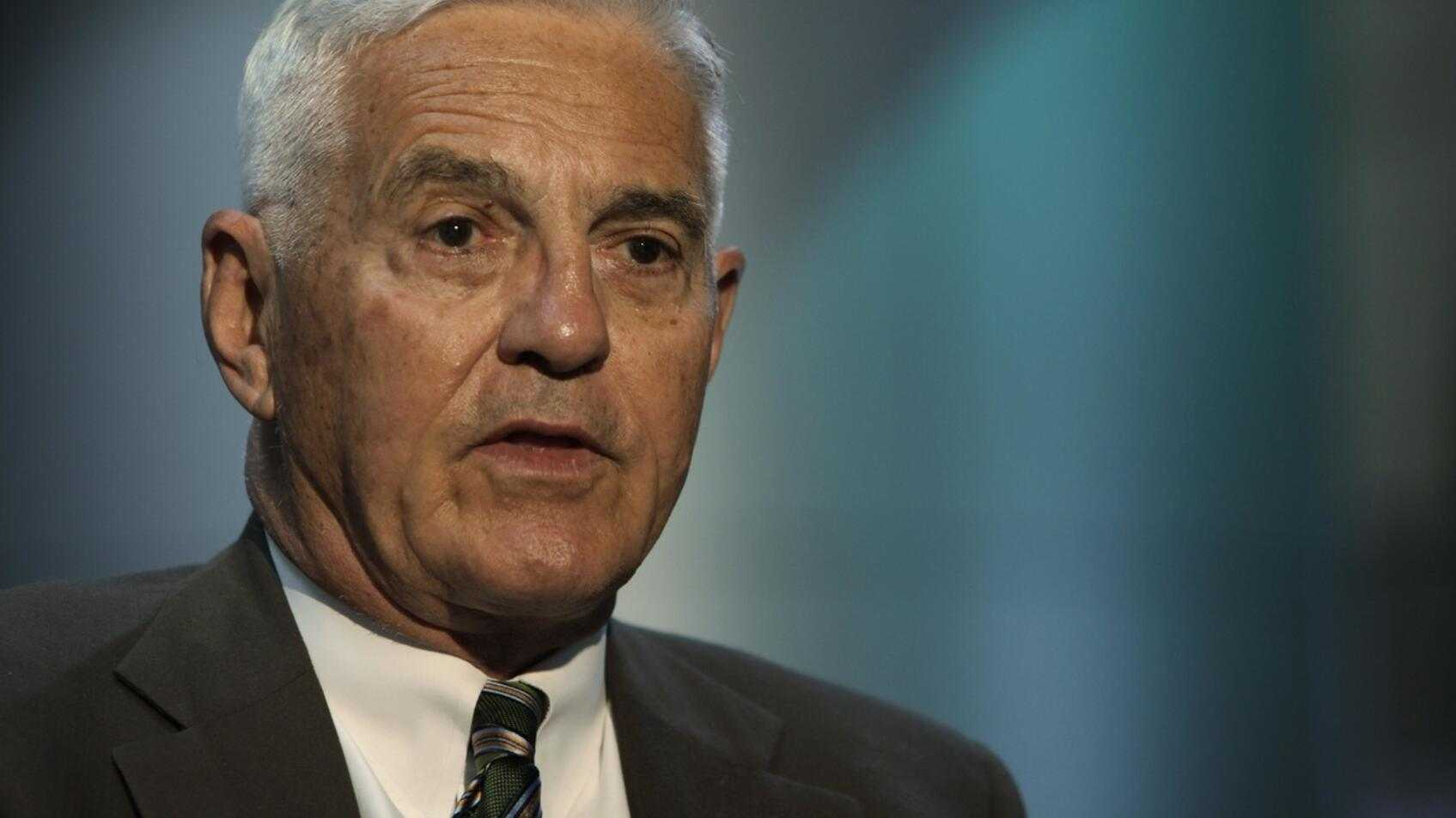 General Motors Vice Chairman Bob Lutz is interviewed by the Associated Press in Detroit, Wednesday, May 27, 2009. (AP Photo/Paul Sancya)