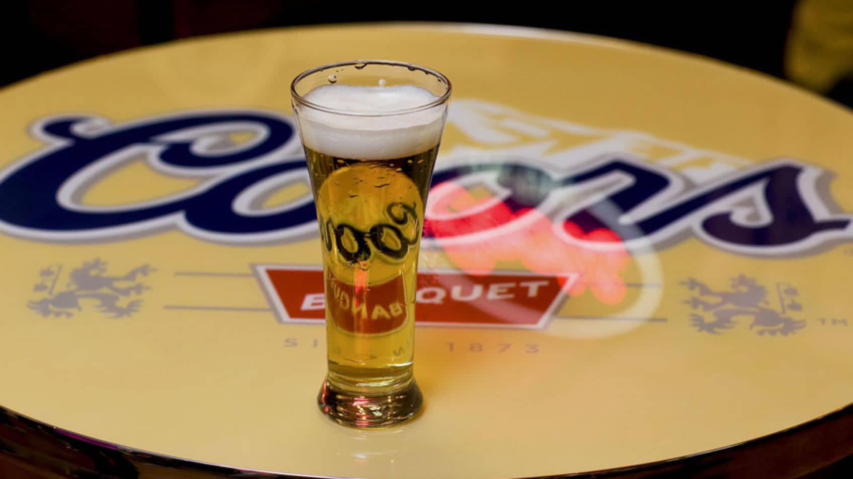 Molson's Canadians: Are beer and patriotism a potent brew?