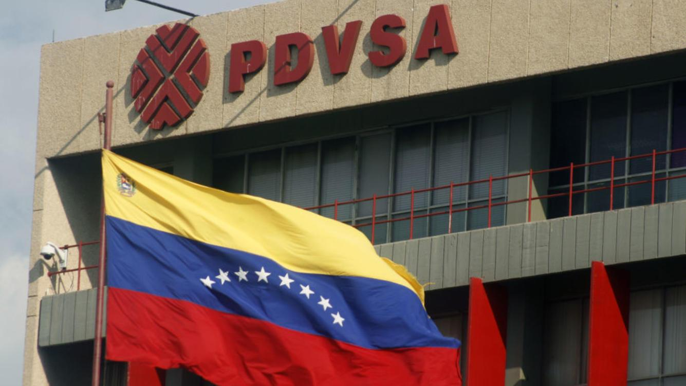 PDVSA reduced its exports by 32% in the first half of June this year, compared to the figures achieved in May. Photo taken on 22 June 2018 in Maracaibo, Venezuela,  (Photo by Humberto Matheus/NurPhoto via Getty Images)