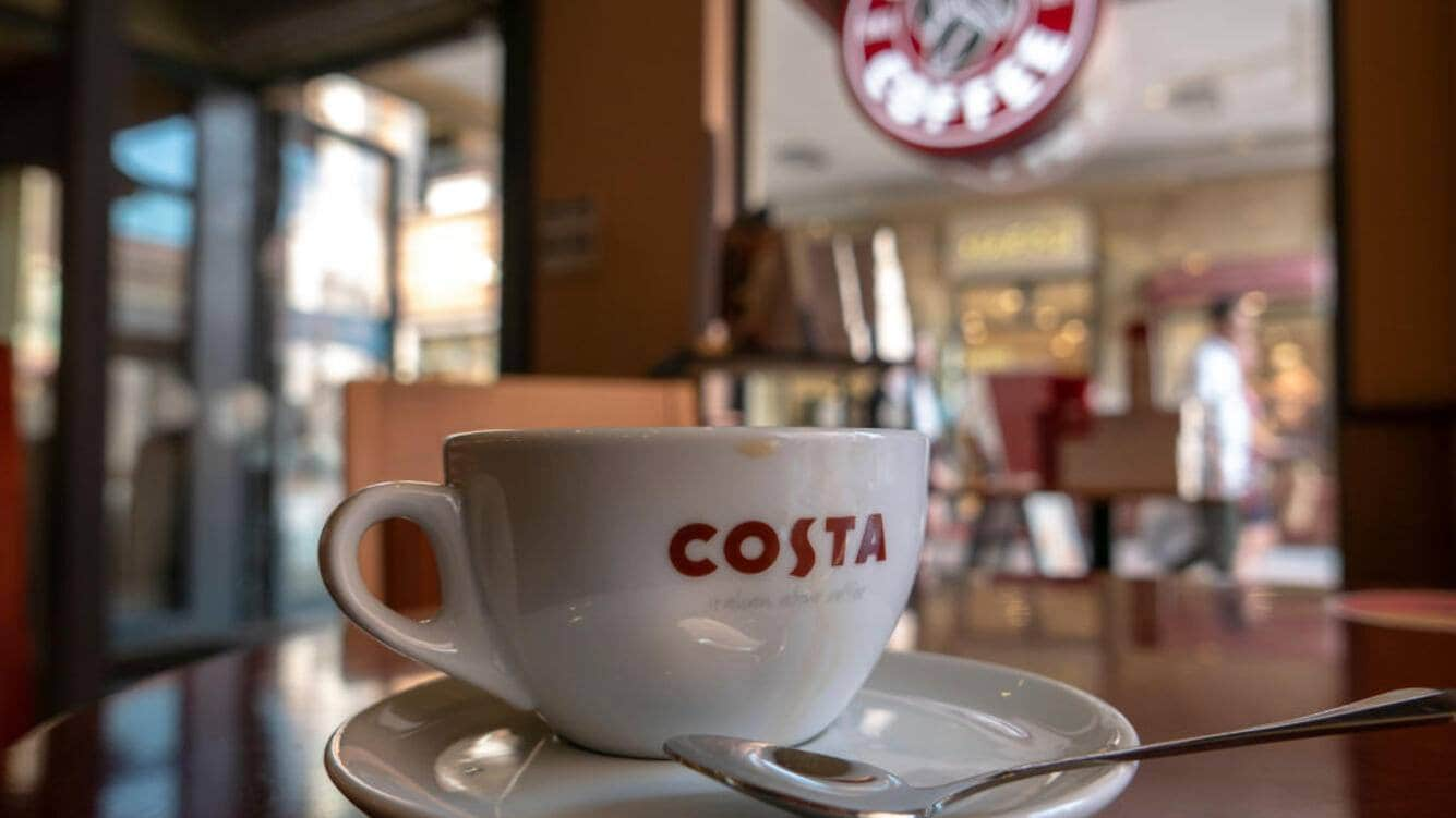 TIANJIN, CHINA - 2018/09/01: Coffee cup in a COSTA coffee store.  On August 31, Coca-Cola announced that it has bought all of Costa Limited's shares from Whitbread PLC at  $5.1 billion.  From the transaction,  Coca-Cola would own a coffee business across Europe, Asia-Pacific, the Middle East and Africa. (Photo by Zhang Peng/LightRocket via Getty Images)