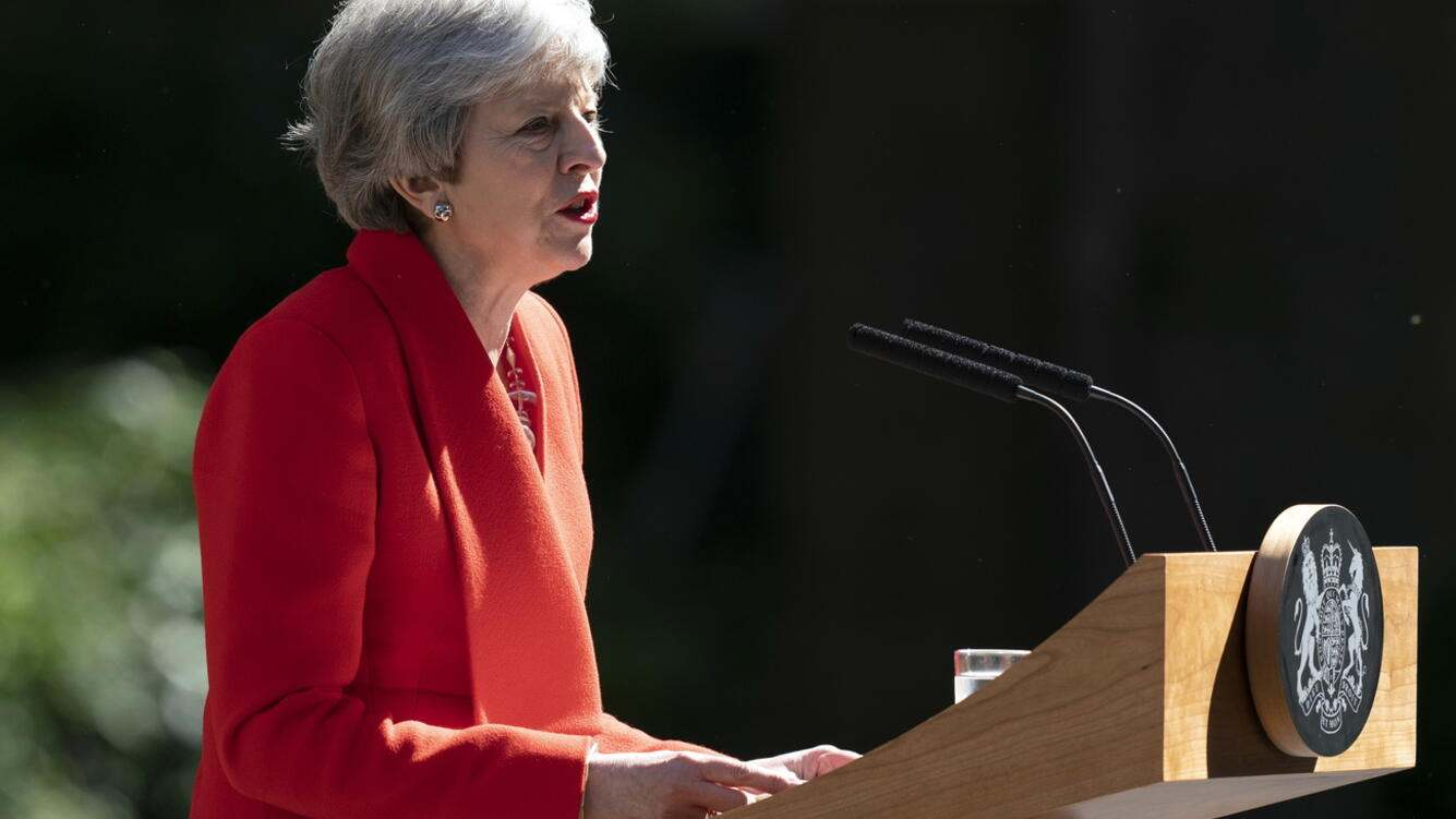 epa07596640 British Prime Minister Theresa May addresses the media to announce her resignation, outside 10 Downing Street, Central London, Britain, 24 May 2019. Mrs May announced she will resign as Prime Minister on 07 June 2019 in the meantime triggering a leadership contest to succeed her as the leader of the governing Conservative Party. EPA/WILL OLIVER