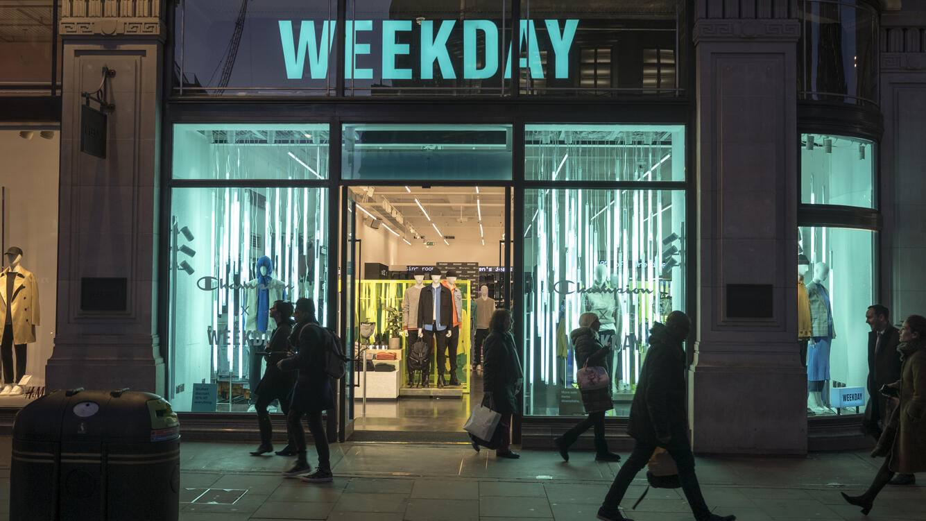 LONDON, UNITED KINGDOM - 2018/01/30: Weekday store seen in London famous Oxford street. Central London is one of the most attractive tourist attraction for individuals whose willing to shop and enjoy the variety of famous and worldwide brands. (Photo by Rahman Hassani/SOPA Images/LightRocket via Getty Images)