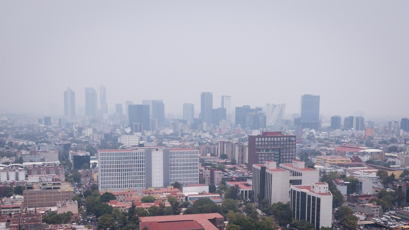 A view of Mexico City, on May 16, 2019. Third day of extraordinary environmental contingency in the megalopolis due to the high levels of 2.5 particles and ozone in the environment, this increase is attributed to forest fires around the city that have been aggravated by the drought and the high temperatures. Restrictions have been placed on the circulation of motor vehicles, in addition to the fact that classes have been suspended at all educational levels. (Photo by Carlos Ogaz/NurPhoto via Getty Images)