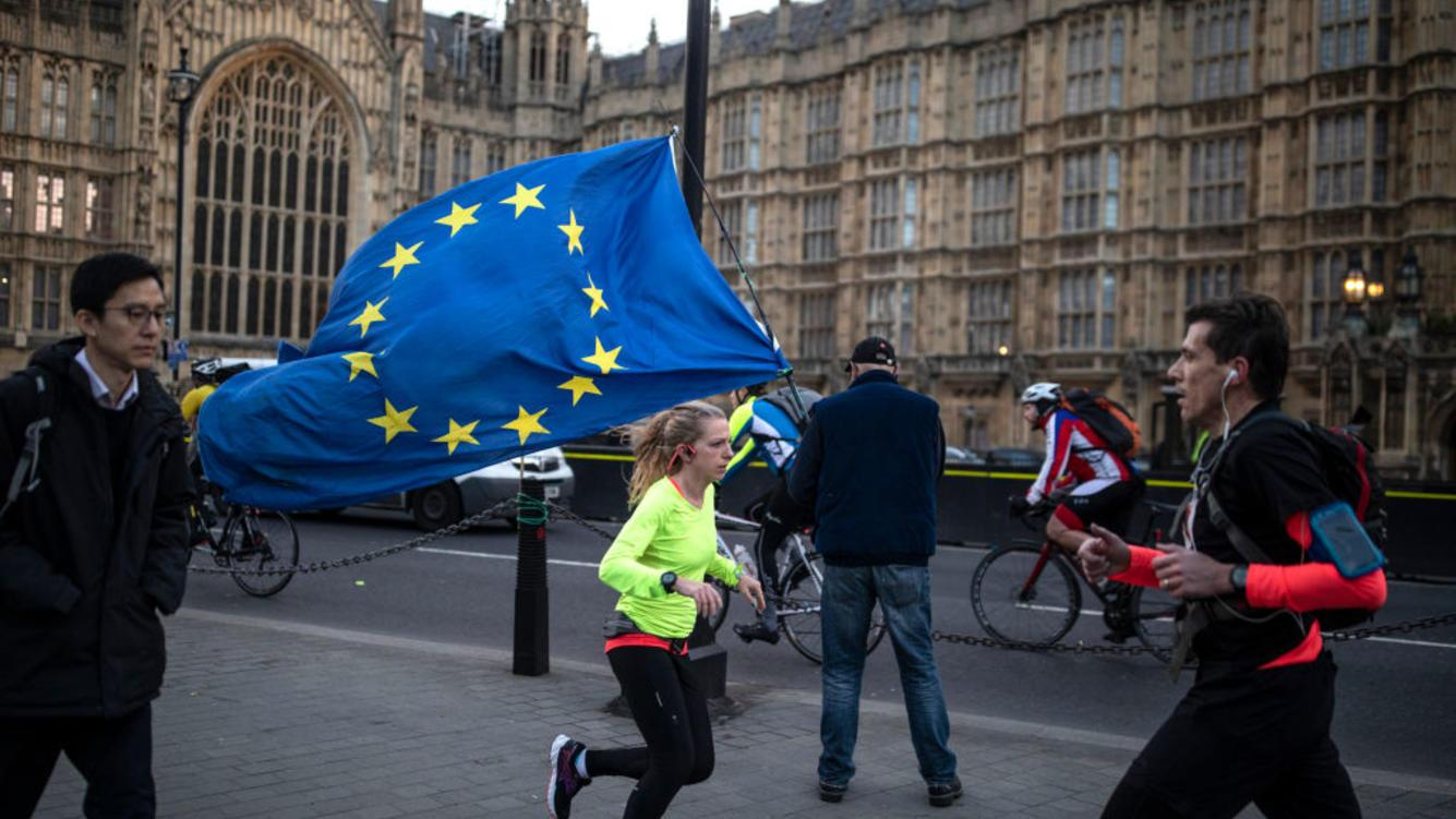 Anti Brexit campaigners begin to gather outside the Houses of Parliament in Westminster on January 09, 2019 in London, England. MPs in Parliament are to vote on Theresa May's Brexit deal next week after last month's vote was called off in the face of a major defeat. (Photo by Dan Kitwood/Getty Images)