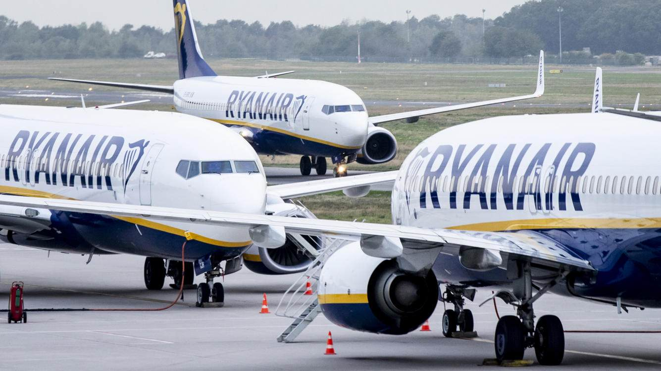 FILED - 12 September 2018, North Rhine-Westphalia, Weeze: Airplanes of the airline Ryanair are standing on the apron of the airport Weeze. Ryanair publishes figures for the 2nd quarter on 22.10.2018. Photo: Marcel Kusch/dpa (KEYSTONE/DPA/Marcel Kusch)
