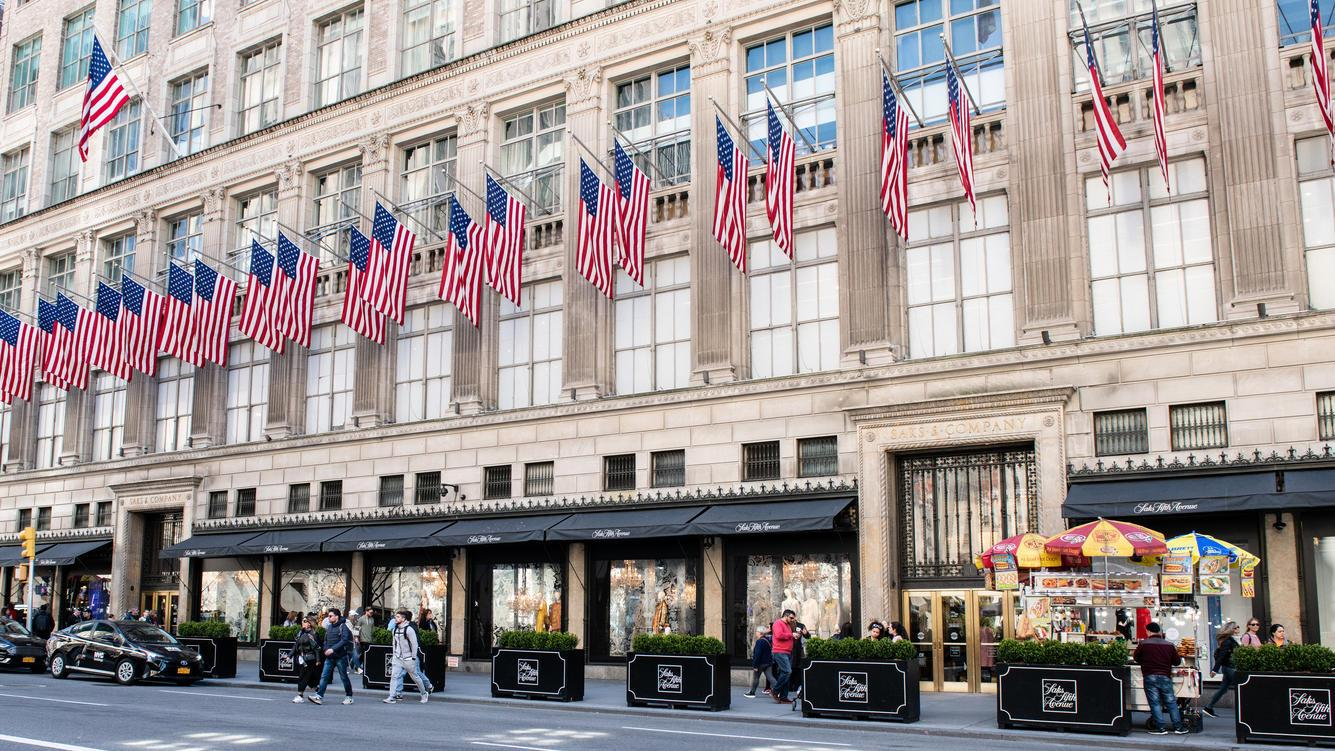 NEW YORK, NY, UNITED STATES - 2018/04/22: Saks Fifth Avenue store on Fifth Avenue in New York City. (Photo by Michael Brochstein/SOPA Images/LightRocket via Getty Images)