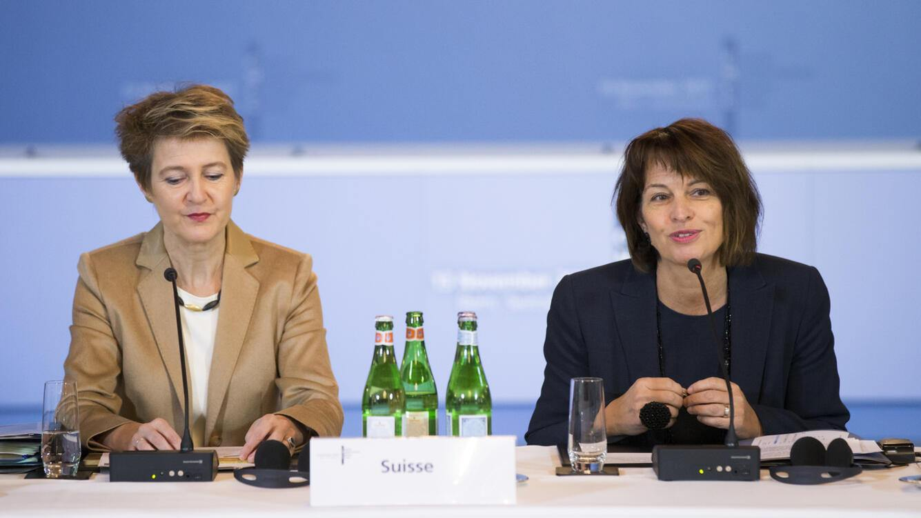 Swiss Federal President Doris Leuthard, right, speaks next to Swiss Federal Councillor Simonetta Sommaruga, left, during the third meeting of the Central Mediterranean Contact Group in Bern, Switzerland, on Monday, November 13, 2017. (KEYSTONE/Pool/Peter Klaunzer)