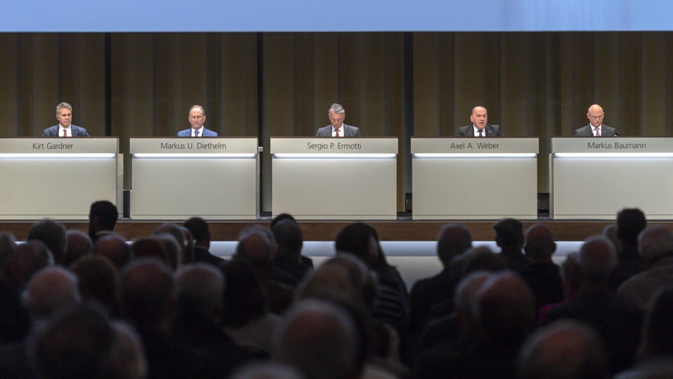 Kirt Gardner, Chief Financial Officer, Markus U. Diethelm, Group General Counsel, Sergio P. Ermotti, Group Chief Executive Officer, Axel A. Weber, Chairman of the Board of Directors, and Markus Baumann, Group Secretary, from left, pictured during the general assembly of the UBS in Basel, Switzerland, on Thursday, May 2, 2019. (KEYSTONE/Georgios Kefalas)