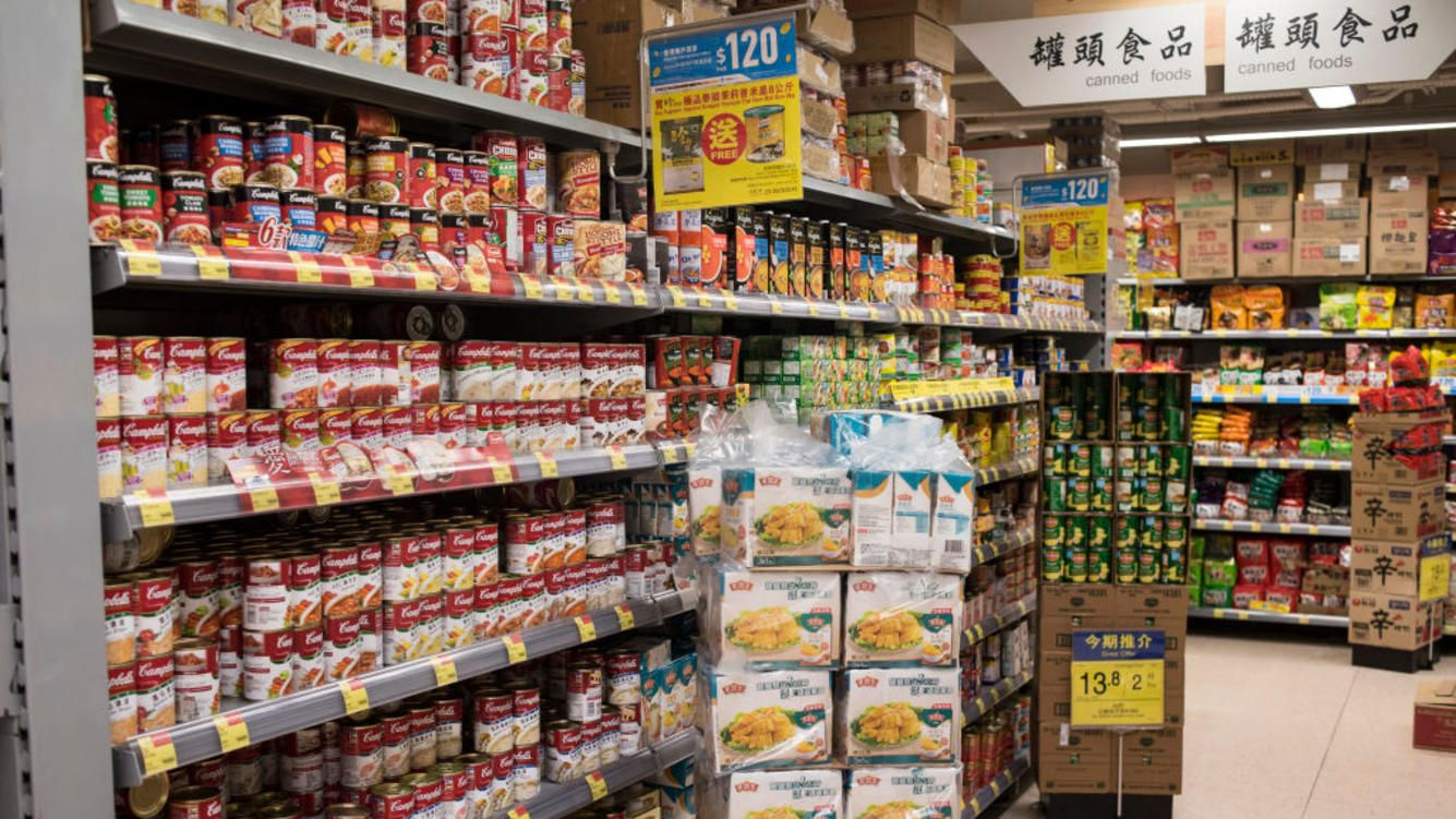 PRINCE EDWARD, HONG KONG, KOWLOON - 2018/03/24: American food brands are displayed for sale at a supermarket in Hong Kong.As United State president Donald Trump signed the bill to increase the trade tariff against Chinese imported product entering the USA. China is responding by increasing trade tariff of American product imported to China. (Photo by Miguel Candela/SOPA Images/LightRocket via Getty Images)