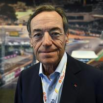 "President of the FIA Endurance Committee Lindsay Owen-Jones, poses before a press conference, on June 16, 2017 in Le Mans northwestern France, ahead of the 85th ""Le Mans 24-hours"" endurance race. (Photo by JEAN-FRANCOIS MONIER / AFP)"