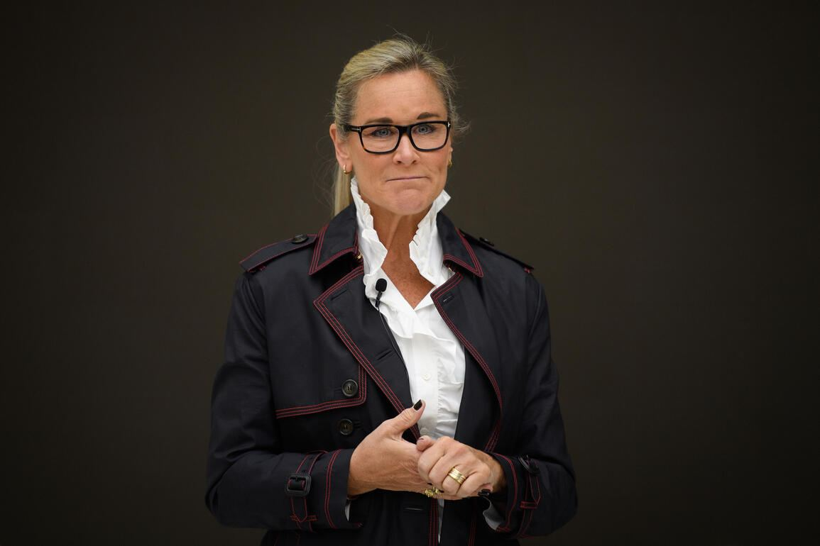 Angela_Ahrendts_Apple