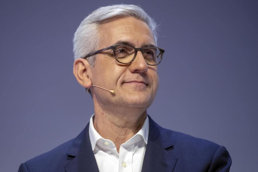 Ulrich Spiesshofer, CEO of Swiss power and automation company, ABB Group, during a press conference to deliver the company's 2018 annual results in Zurich, Switzerland, 28 February 2019. (KEYSTONE/Walter Bieri)