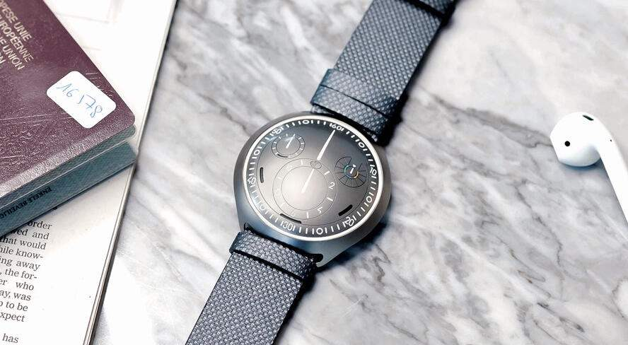 Die Ressence Type 2 e-Crown