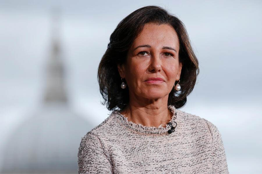 Ana Botin, chairman of Banco Santander SA, pauses during a Bloomberg Television interview in London, U.K., on Tuesday, Oct. 2, 2018. Botin, a three-decade Brazil watcher, is staying bullish on the country even as divisive elections threaten Latin America's largest economy. Photographer: Luke MacGregor/Bloomberg