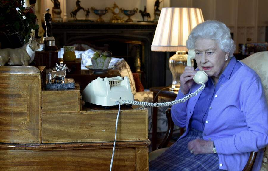 epa08323342 A handout photograph made available by Buckingham Palace shows Britain's Queen Elizabeth II speaking to British Prime Minister Boris Johnson during their weekly audience from Windsor Castle, Windsor, Britain 25 March 2020. EPA/BUCKINGHAM PALACE/HANDOUT This image is for Editorial use purposes only. The Image can not be used for advertising or commercial use. The Image can not be altered in any form. Credit should read Buckingham Palace/Crown Copyright. HANDOUT EDITORIAL USE ONLY/NO SALES