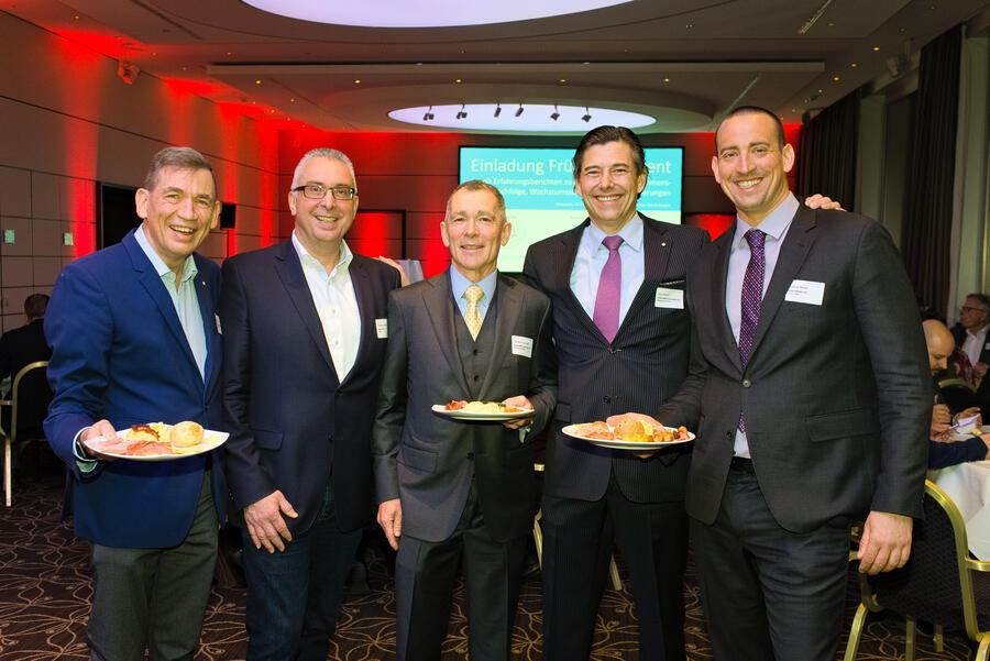 Christoph Lang, Geschäftsführer, Flughafenregion Zürich; Thomas Schärer, CEO & VRP, Opera AG; Thomas W. Schreper, Managing Partner, Global M&A Associates GmbH; Marc Wallach, Managing Partner, Global M&A Associates GmbH; François Radin, CEO & VRP, Green Motion SA