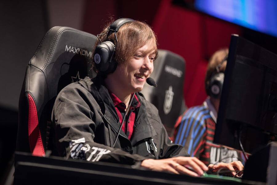 LAS VEGAS, NV - DECEMBER 8, 2018: Esports professional gamer competing at League of Legends All-Star Event on December 8, 2018 in Las Vegas, Nevada. (Photo by Hannah Smith/ESPAT Media for Mastercard via Getty Images)