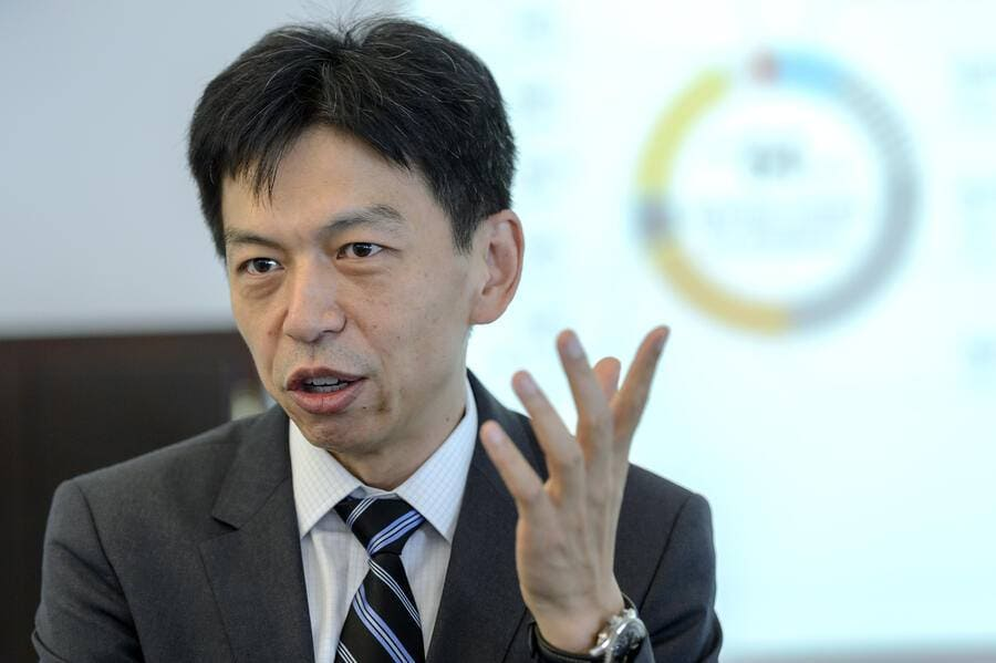 Swiss and Chinese Frankie Ng, CEO of the Societe Generale de Surveillance Group SGS, presents the 2015 Half Year results of SGS, the world's leading inspection, verification, testing and certification company, during a press conference at the SGS Corporate Headquarters, in Geneva, Switzerland, Friday, July 17, 2015. (KEYSTONE/Martial Trezzini)