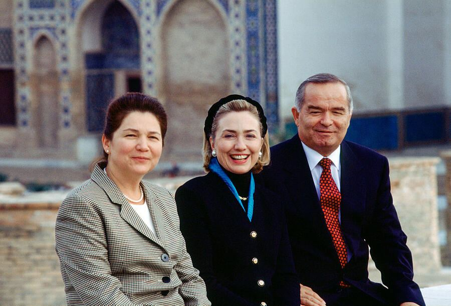 SAMARKAND -- NOVEMBER 14: U.S. First Lady Hillary Clinton with Uzbek President Islam Karimov (r) and his wife, Tatiana Karimova (l), Samarkand, Uzbekistan, November 14, 1997. Mrs. Clinton is on a trip visiting former Soviet Republics. (Photo by David Hume Kennerly/Getty Images)