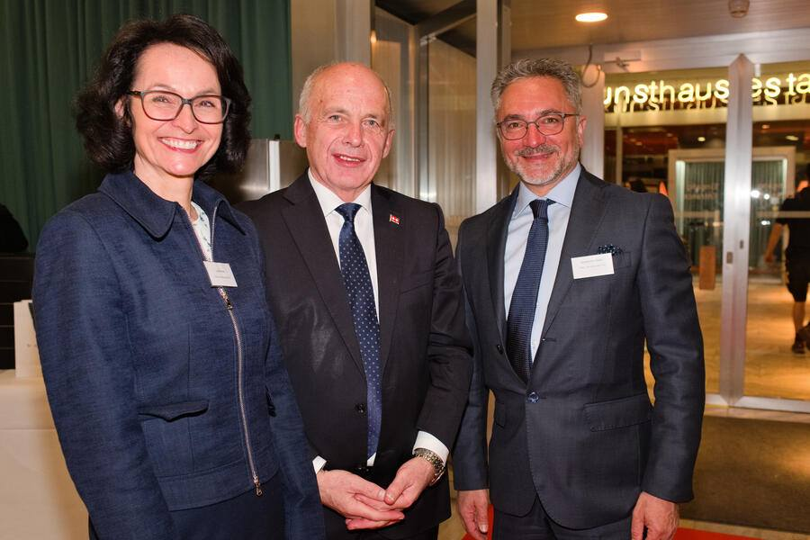 Lilo Prins, Volvo Car Switzerland AG;Ueli Maurer, Bundespräsident;Domenico Gaito, Volvo Car Switzerland AG