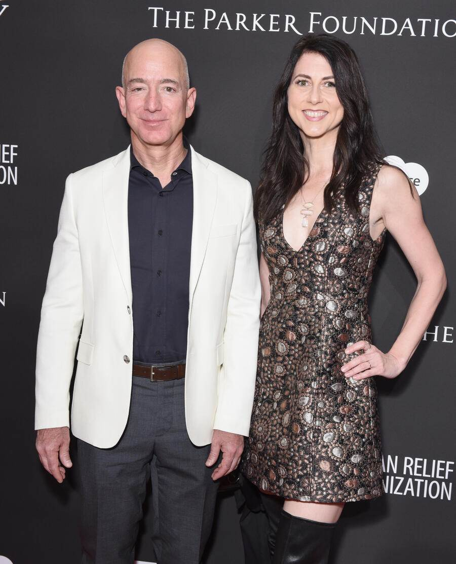 HOLLYWOOD, CA - JANUARY 06:  Chief Executive Officer of Amazon Jeff Bezos (L) and MacKenzie Bezos attend the 7th Annual Sean Penn & Friends HAITI RISING Gala benefiting J/P Haitian Relief Organization on January 6, 2018 in Hollywood, California.  (Photo by Presley Ann/Getty Images)