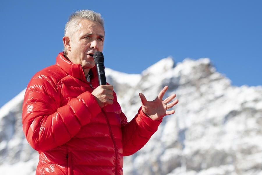 Urs Kessler, CEO Jungfraubahn Holding AG, speaks during a golf event on the Aletsch glacier, 3'454 meters above sea level on the Jungfraujoch, Switzerland, on Thursday, October 4, 2018. (KEYSTONE/Anthony Anex)