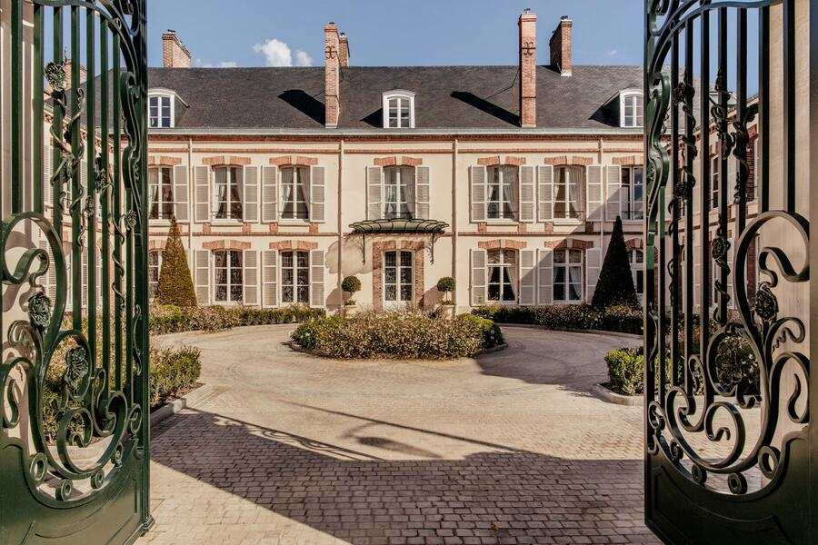 Perrier Jouet Maison in Epernay Champagne