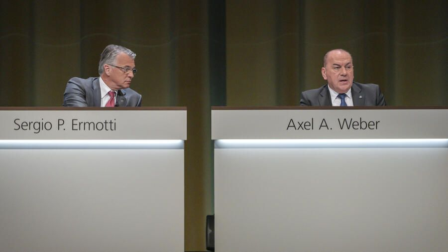 Sergio P. Ermotti, Group Chief Executive Officer of Swiss Bank UBS, left, and Axel A. Weber, Chairman of the Board of Directors of Swiss Bank UBS, right, pictured during the general assembly of the UBS in Basel, Switzerland, on Thursday, May 2, 2019. (KEYSTONE/Georgios Kefalas)
