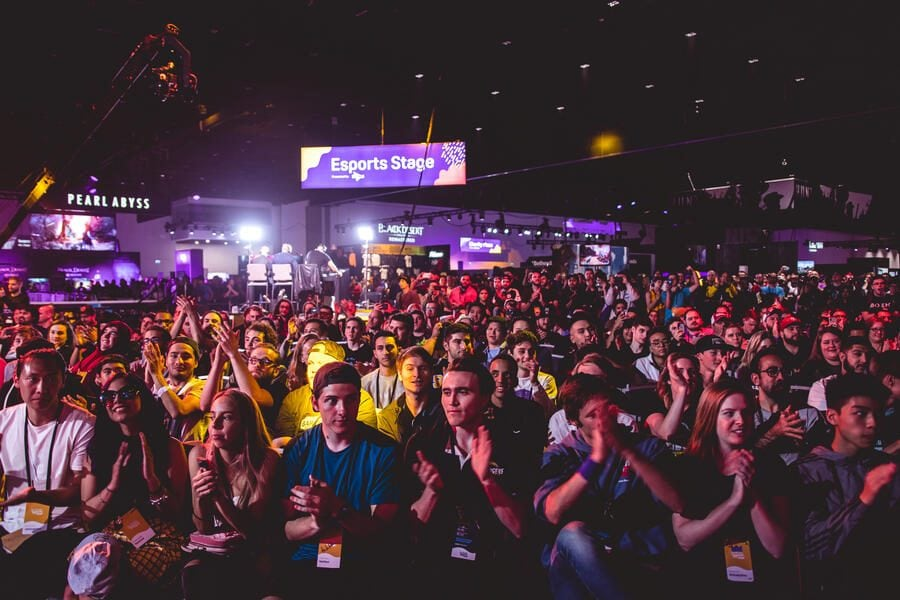 SAN JOSE, CA - OCTOBER 27, 2018: Packed house of fans at the first Doritos Bowl 2018 Call of Duty: Blackout Battle Royale tournament, TwitchCon at San Jose Convention Center on October 27, 2018 in San Jose, California. (Photo by Eric_Ananmalay / ESPAT Media / Getty Images)