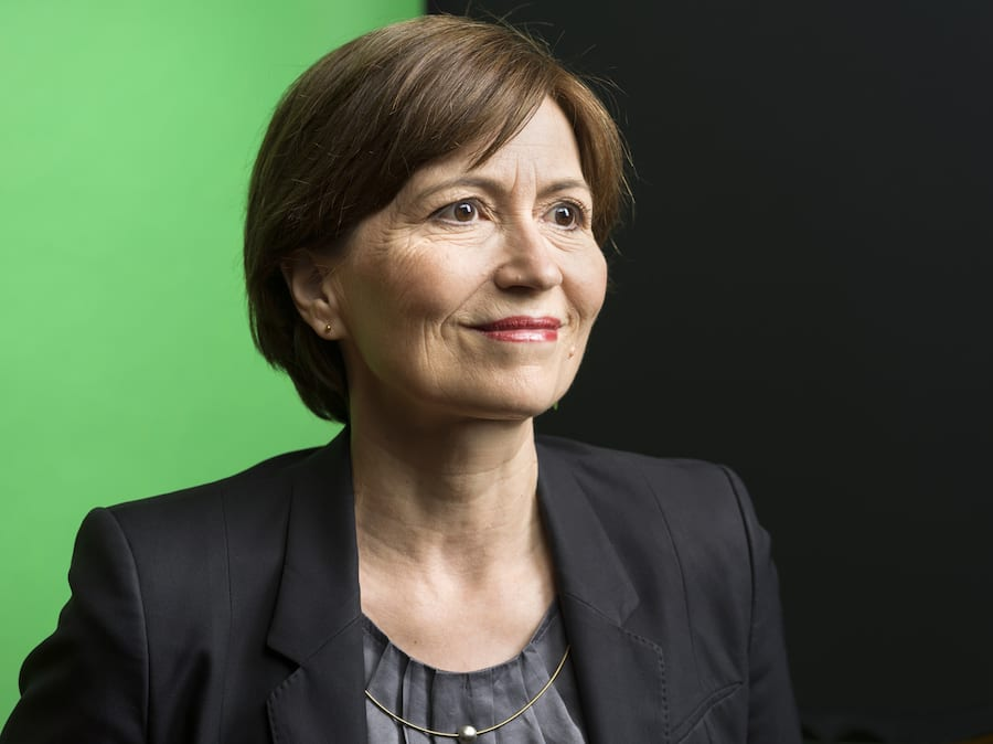 Regula Rytz, party president of the Green Party of Switzerland and the Green Party's national councillor, poses for a photograph against a background in the dominant colour of the party in Bern, Switzerland, on July 1, 2019. (KEYSTONE/Gaetan Bally)Regula Rytz, Parteipraesidentin der Gruenen Partei der Schweiz und Gruene-Nationalraetin, portraitiert vor einem Hintergrund in der dominierenden Parteifarbe der Gruenen am 1. Juli 2019 in Bern. (KEYSTONE/Gaetan Bally)